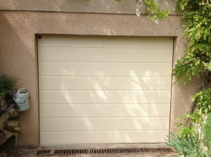 AF82 - PORTE DE GARAGE SECTIONNELLE BEIGE RENOVATION 1A